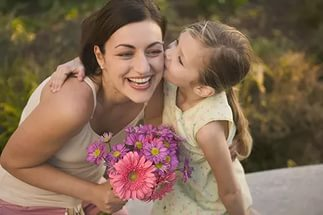 Важно отдавать долг родителям своей благодарностью, но не жертвовать собой.