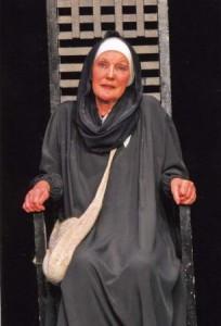 сумасшедшая монахиня - не сумасшедшая. Скорее уж, сумасшедший - мир.